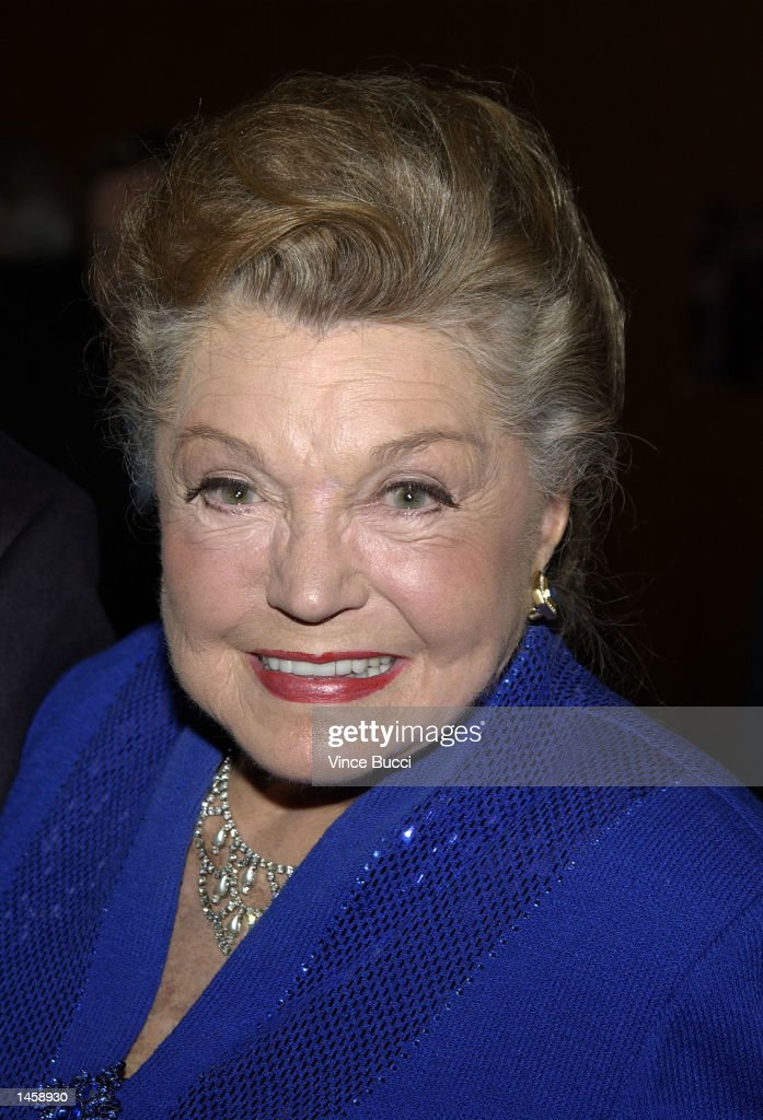 Actress <a gi-track='captionPersonalityLinkClicked' href=/galleries/search?phrase=Esther+Williams&family=editorial&specificpeople=123838 ng-click='$event.stopPropagation()'>Esther Williams</a> attends a tribute to the career of the late director George Sidney on October 3, 2002 at the Directors Guild of America in Hollywood, California.