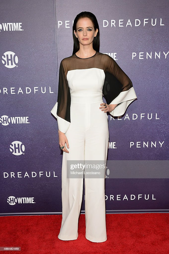 Actress <a gi-track='captionPersonalityLinkClicked' href=/galleries/search?phrase=Eva+Green&family=editorial&specificpeople=211151 ng-click='$event.stopPropagation()'>Eva Green</a> arrives at Showtime's 'PENNY DREADFUL' world premiere at The High Line Hotel on May 6, 2014 in New York City.