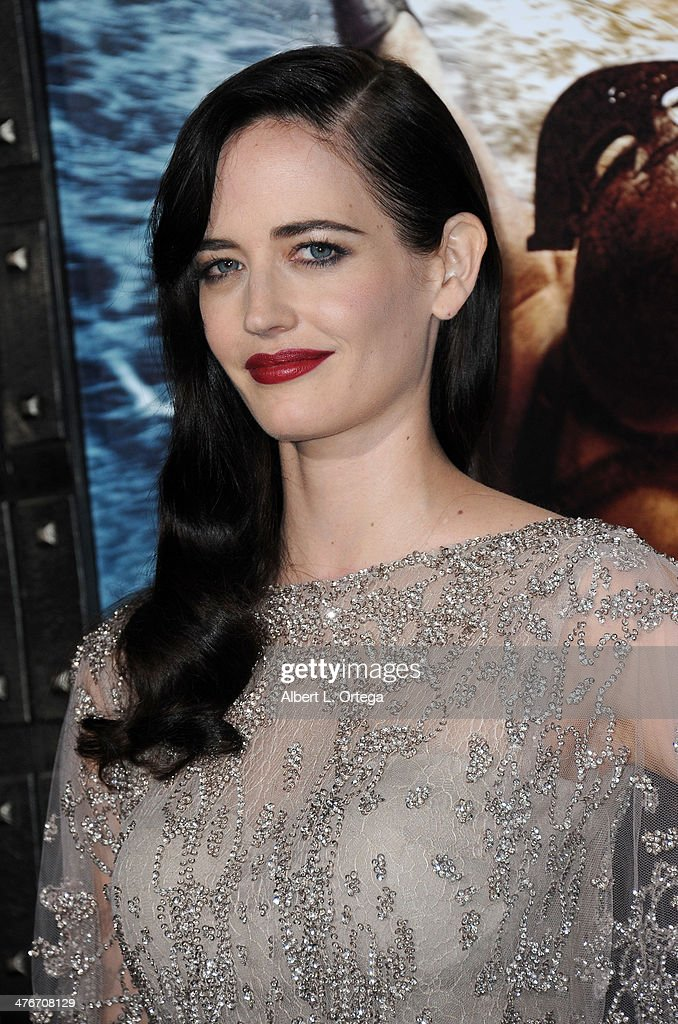 Actress <a gi-track='captionPersonalityLinkClicked' href=/galleries/search?phrase=Eva+Green&family=editorial&specificpeople=211151 ng-click='$event.stopPropagation()'>Eva Green</a> arrives for the Premiere Of Warner Bros. Pictures And Legendary Pictures' '300: Rise Of An Empire' held at TCL Chinese Theatre on March 4, 2014 in Hollywood, California.