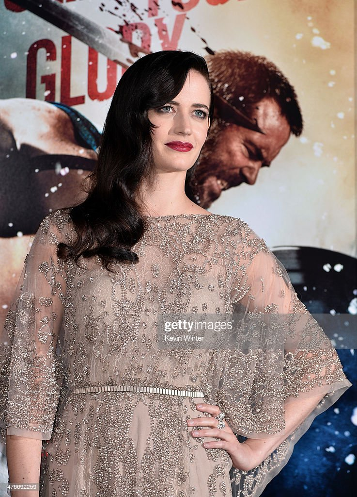 Actress <a gi-track='captionPersonalityLinkClicked' href=/galleries/search?phrase=Eva+Green&family=editorial&specificpeople=211151 ng-click='$event.stopPropagation()'>Eva Green</a> attends the premiere of Warner Bros. Pictures and Legendary Pictures' '300: Rise Of An Empire' at TCL Chinese Theatre on March 4, 2014 in Hollywood, California.