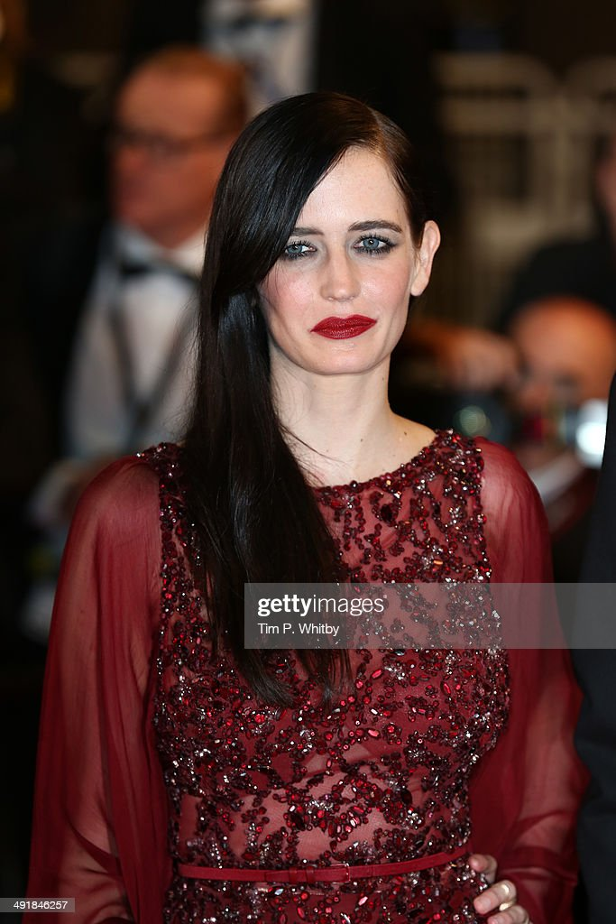 Actress <a gi-track='captionPersonalityLinkClicked' href=/galleries/search?phrase=Eva+Green&family=editorial&specificpeople=211151 ng-click='$event.stopPropagation()'>Eva Green</a> attends the 'The Salvation' premiere during the 67th Annual Cannes Film Festival on May 17, 2014 in Cannes, France.