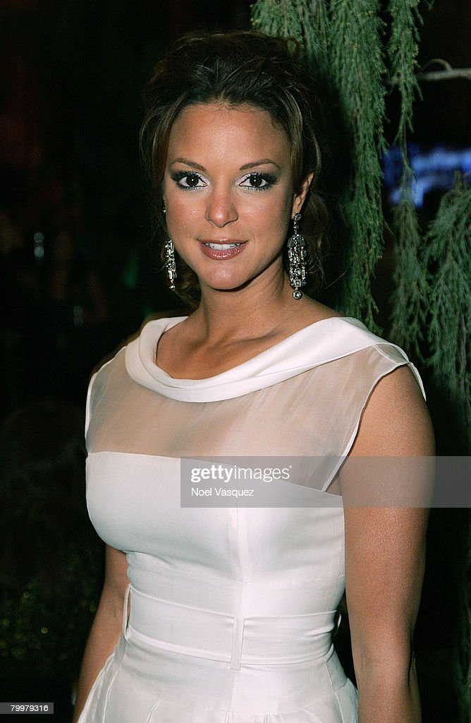 Actress Eva La Rue attends the Mercedes-Benz Oscar viewing party held at the Four Seasons Hotel on February 24, 2008 in Beverly Hills, California.