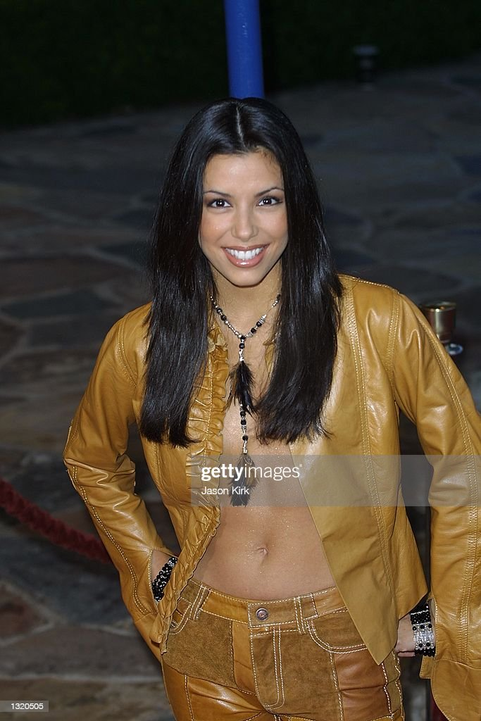 Actress <a gi-track='captionPersonalityLinkClicked' href=/galleries/search?phrase=Eva+Longoria&family=editorial&specificpeople=202082 ng-click='$event.stopPropagation()'>Eva Longoria</a> arrives at the world premiere of the film 'Lara Croft: Tomb Raider' June 11, 2001 in Westwood, CA.
