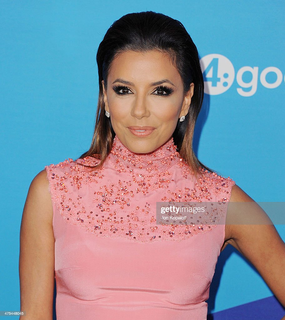 Actress Eva Longoria arrives at Unite4good And Variety Host 1st Annual Unite4:humanity Event on February 27, 2014 in Los Angeles, California.