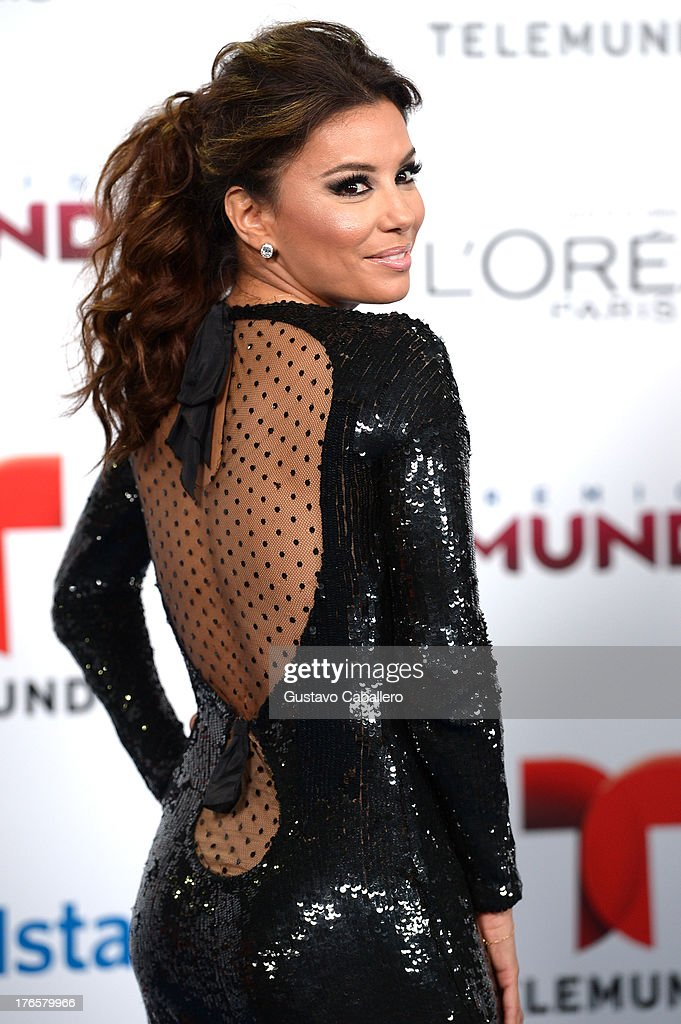 Actress <a gi-track='captionPersonalityLinkClicked' href=/galleries/search?phrase=Eva+Longoria&family=editorial&specificpeople=202082 ng-click='$event.stopPropagation()'>Eva Longoria</a> arrives for Telemundo's Premios Tu Mundo Awards at American Airlines Arena on August 15, 2013 in Miami, Florida.