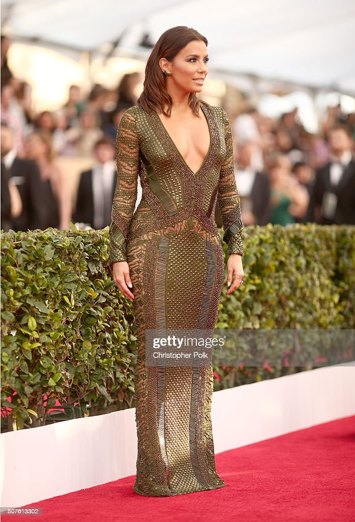 Actress <a gi-track='captionPersonalityLinkClicked' href=/galleries/search?phrase=Eva+Longoria&family=editorial&specificpeople=202082 ng-click='$event.stopPropagation()'>Eva Longoria</a> attends The 22nd Annual Screen Actors Guild Awards at The Shrine Auditorium on January 30, 2016 in Los Angeles, California. 25650_018