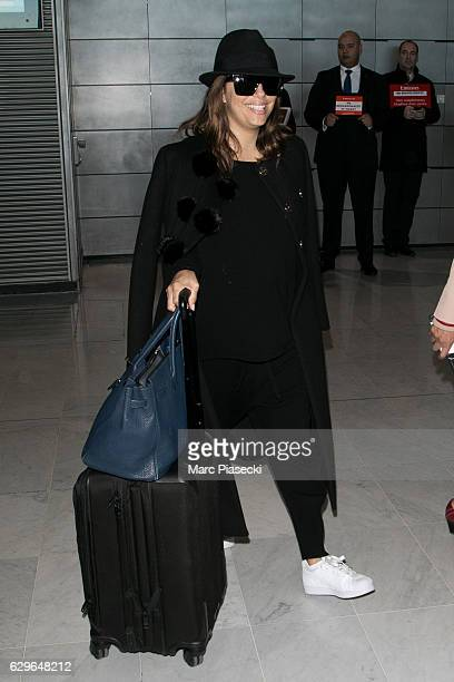 Actress Eva Longoria is seen at CharlesdeGaulle airport on December 14 2016 in Paris France