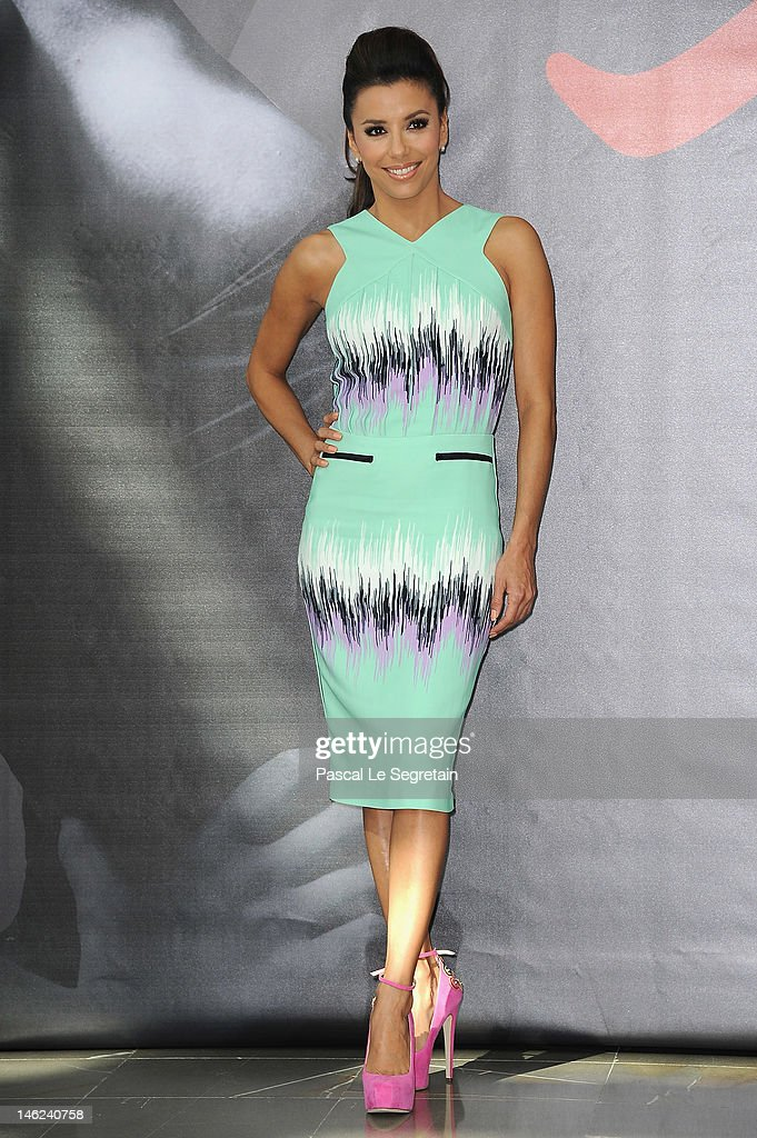 Actress <a gi-track='captionPersonalityLinkClicked' href=/galleries/search?phrase=Eva+Longoria&family=editorial&specificpeople=202082 ng-click='$event.stopPropagation()'>Eva Longoria</a> poses at a photocall for 'Desperate Housewives' during the 52nd Monte Carlo TV Festival on June 13, 2012 in Monte-Carlo, Monaco.