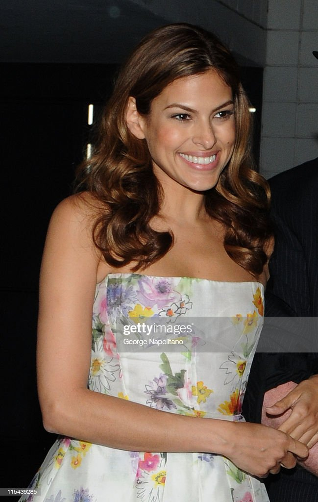 Actress <a gi-track='captionPersonalityLinkClicked' href=/galleries/search?phrase=Eva+Mendes&family=editorial&specificpeople=194937 ng-click='$event.stopPropagation()'>Eva Mendes</a> attends 'The Spirit' Preview At New York ComicCon at the Jacob Javits Center on April 19, 2008 in New York City.