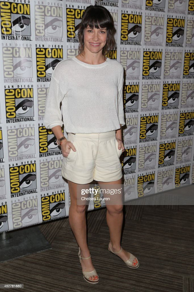 Actress <a gi-track='captionPersonalityLinkClicked' href=/galleries/search?phrase=Evangeline+Lilly&family=editorial&specificpeople=228168 ng-click='$event.stopPropagation()'>Evangeline Lilly</a> attends 'The hobbit' press room on July 26, 2014 in San Diego, California.