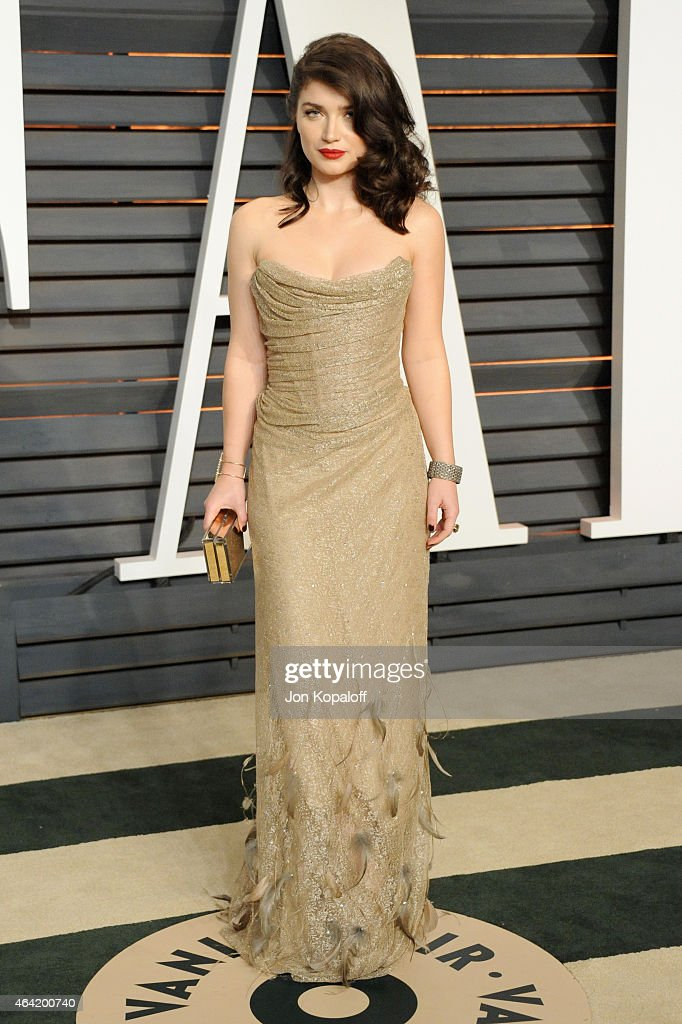 Actress Eve Hewson attends the 2015 Vanity Fair Oscar Party hosted by Graydon Carter at Wallis Annenberg Center for the Performing Arts on February...