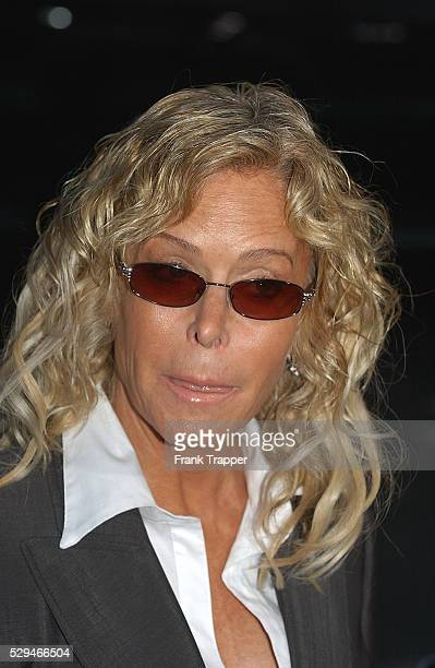 Actress Farrah Fawcett arrives at the premiere of 'The Manchurian Candidate' in Los Angeles