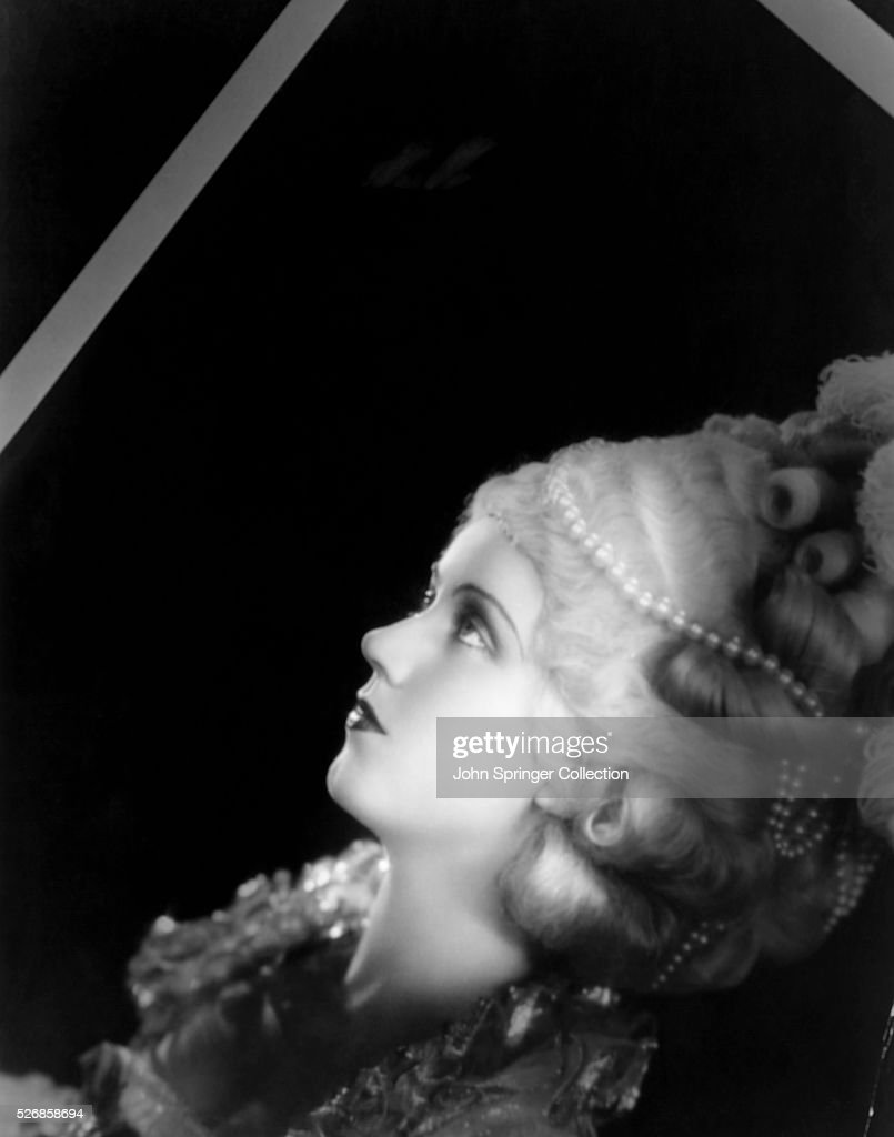 Actress <a gi-track='captionPersonalityLinkClicked' href=/galleries/search?phrase=Fay+Wray&family=editorial&specificpeople=70009 ng-click='$event.stopPropagation()'>Fay Wray</a> is best known for her role in the 1933 film King Kong as the screaming woman who is captured by King Kong at the Empire State Building.