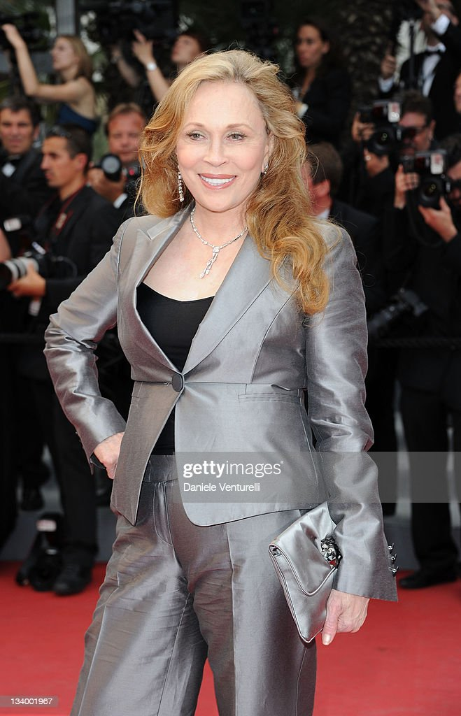Actress Faye Dunaway attends the 'Les Bien-Aimes' Premiere and Closing Ceremony during the 64th Annual Cannes Film Festival at the Palais des Festivals on May 22, 2011 in Cannes, France.
