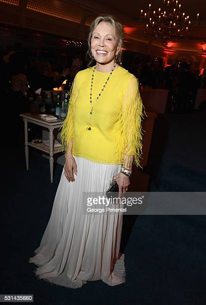 Actress Faye Dunaway attends Vanity Fair and HBO Dinner Celebrating the Cannes Film Festival at Hotel du CapEdenRoc on May 14 2016 in Cap d'Antibes...