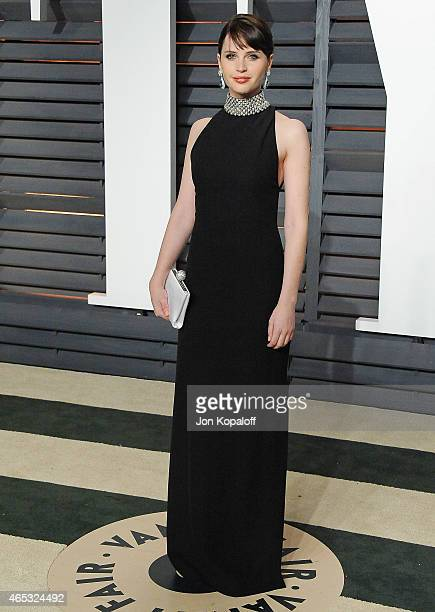 Actress Felicity Jones arrives at the 2015 Vanity Fair Oscar Party Hosted By Graydon Carter at Wallis Annenberg Center for the Performing Arts on...