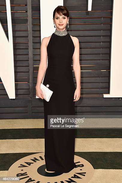 Actress Felicity Jones attends the 2015 Vanity Fair Oscar Party hosted by Graydon Carter at Wallis Annenberg Center for the Performing Arts on...