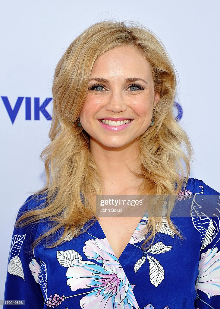 Actress <a gi-track='captionPersonalityLinkClicked' href=/galleries/search?phrase=Fiona+Gubelmann&family=editorial&specificpeople=4195937 ng-click='$event.stopPropagation()'>Fiona Gubelmann</a> arrives at the 1st Annual Children Mending Hearts Style Sunday on June 9, 2013 in Beverly Hills, California.