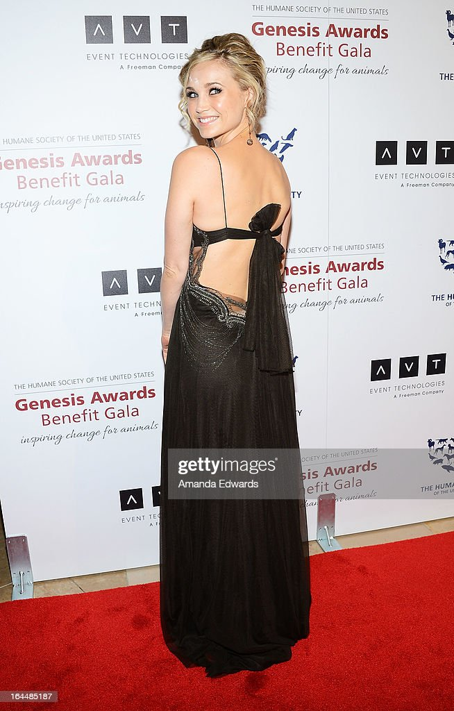 Actress Fiona Gubelmann arrives at The Humane Society's 2013 Genesis Awards Benefit Gala at The Beverly Hilton Hotel on March 23, 2013 in Beverly Hills, California.