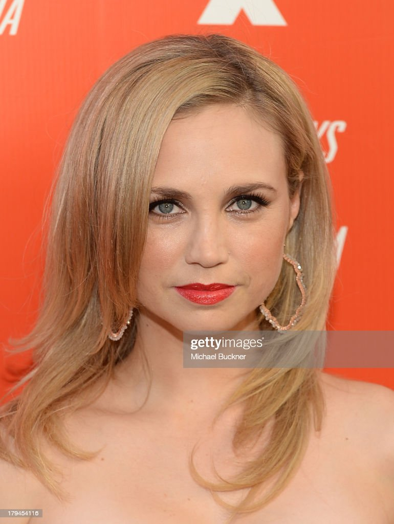 Actress <a gi-track='captionPersonalityLinkClicked' href=/galleries/search?phrase=Fiona+Gubelmann&family=editorial&specificpeople=4195937 ng-click='$event.stopPropagation()'>Fiona Gubelmann</a> attends the premiere and launch party for FXX Network's 'It's Always Sunny In Philadelphia' and 'The League' at Lure on September 3, 2013 in Hollywood, California.