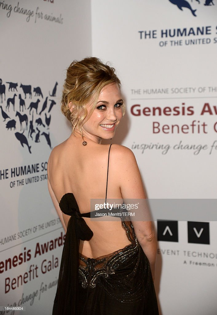 Actress Fiona Gubelmann poses backstage at The Humane Society of the United States 2013 Genesis Awards Benefit Gala at The Beverly Hilton Hotel on March 23, 2013 in Los Angeles, California.