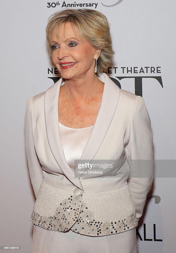 Actress <a gi-track='captionPersonalityLinkClicked' href=/galleries/search?phrase=Florence+Henderson&family=editorial&specificpeople=171392 ng-click='$event.stopPropagation()'>Florence Henderson</a> arrives at Nevada Ballet Theatre presents 'The Black & White Ball's 30th Anniversary' at the Aria Resort & Casino at CityCenter on January 25, 2014 in Las Vegas, Nevada.