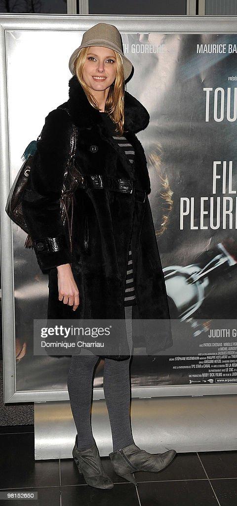 """""""Toutes le Filles Pleurent"""" - Paris Premiere"""