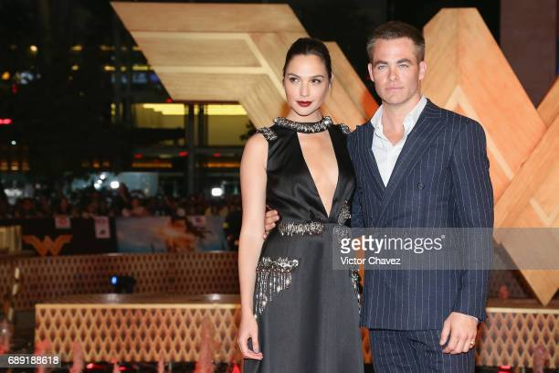 Actress Gal Gadot and actor Chris Pine attend the 'Wonder Woman' Mexico City premiere at Parque Toreo on May 27 2017 in Mexico City Mexico