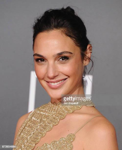 Actress Gal Gadot attends the Los Angeles Premiere of Warner Bros Pictures' 'Justice League' at Dolby Theatre on November 13 2017 in Hollywood...