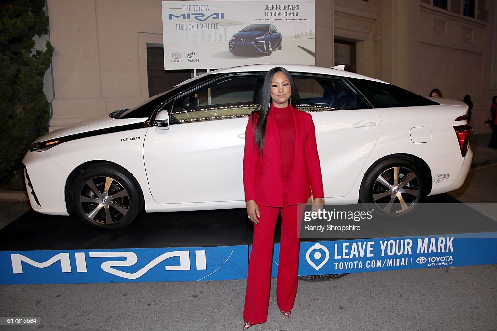 Actress Garcelle Beauvais attends the Environmental Media Association 26th Annual EMA Awards Presented By Toyota, Lexus And Calvert at Warner Bros. Studios on October 22, 2016 in Burbank, California.
