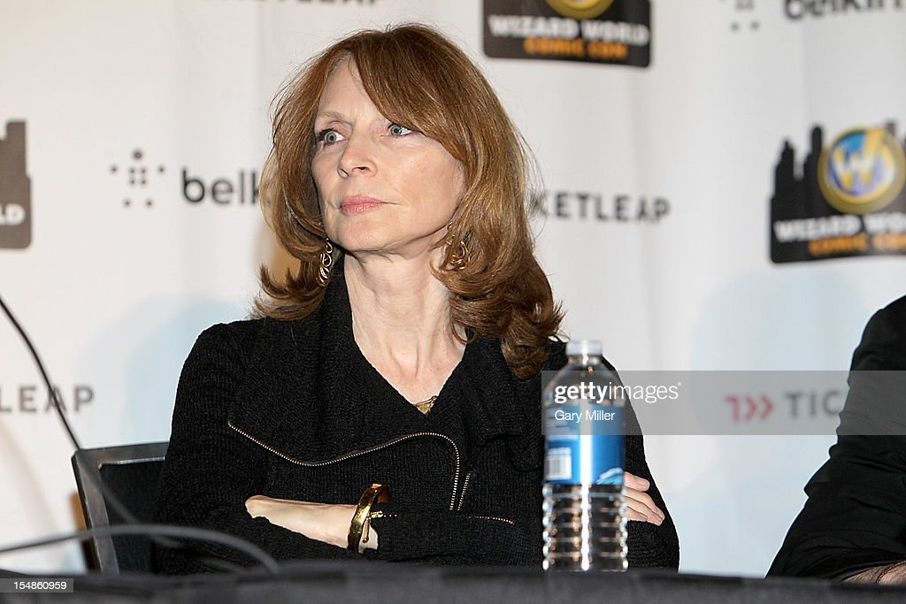 Actress <a gi-track='captionPersonalityLinkClicked' href=/galleries/search?phrase=Gates+McFadden&family=editorial&specificpeople=976280 ng-click='$event.stopPropagation()'>Gates McFadden</a> attends the 25th anniversary reunion of the cast of 'Star Trek: The Next Generation' during Wizard World Austin Comic Con at Austin Convention Center on October 27, 2012 in Austin, Texas.