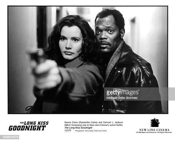 Actress Geena Davis and actor Samuel L Jackson on set of the New Line Cinema movie 'The Long Kiss Goodnight' circa 1996