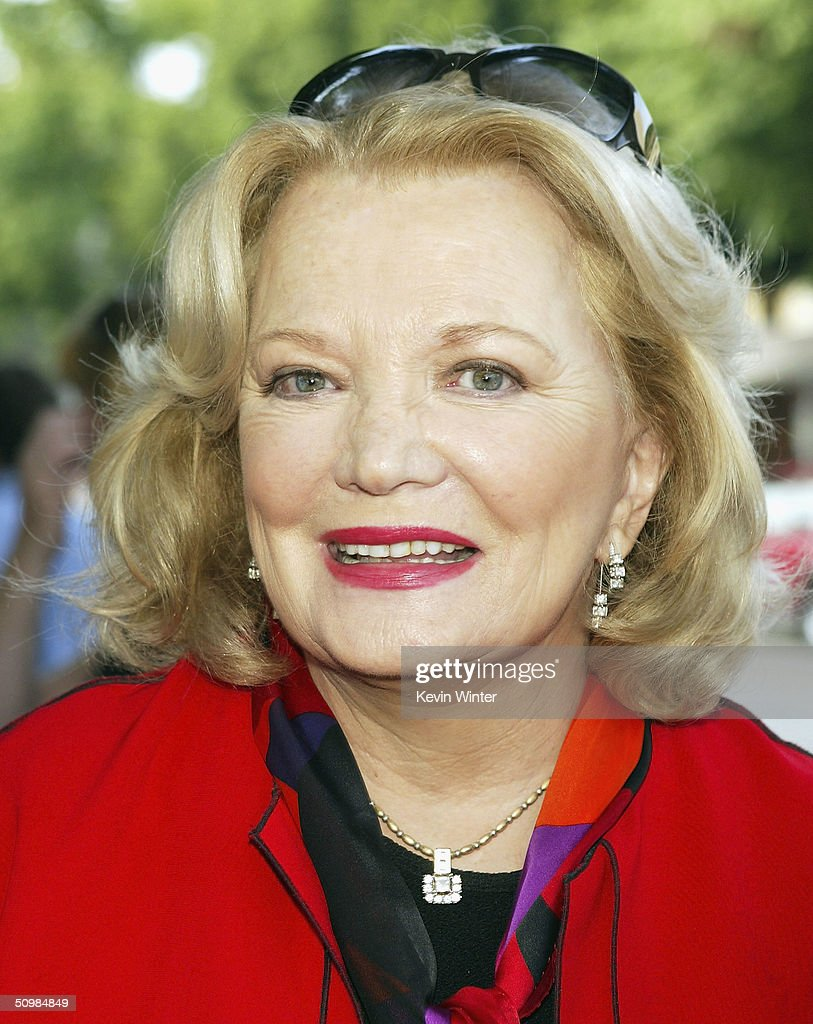 Actress Gena Rowlands arrives at the premiere of New Lines' 'The Notebook' on June 21, 2004 at the Village Theatre, in Los Angeles, California.