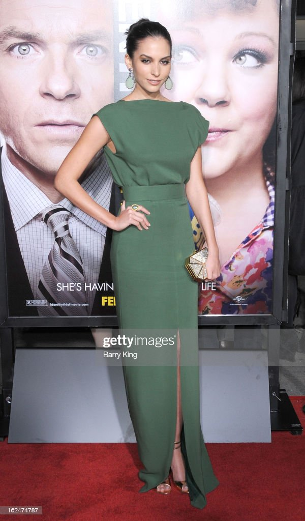 Actress <a gi-track='captionPersonalityLinkClicked' href=/galleries/search?phrase=Genesis+Rodriguez&family=editorial&specificpeople=220790 ng-click='$event.stopPropagation()'>Genesis Rodriguez</a> arrives at the Los Angeles premiere of 'Identity Thief' held at Mann Village Theatre on February 4, 2013 in Westwood, California.
