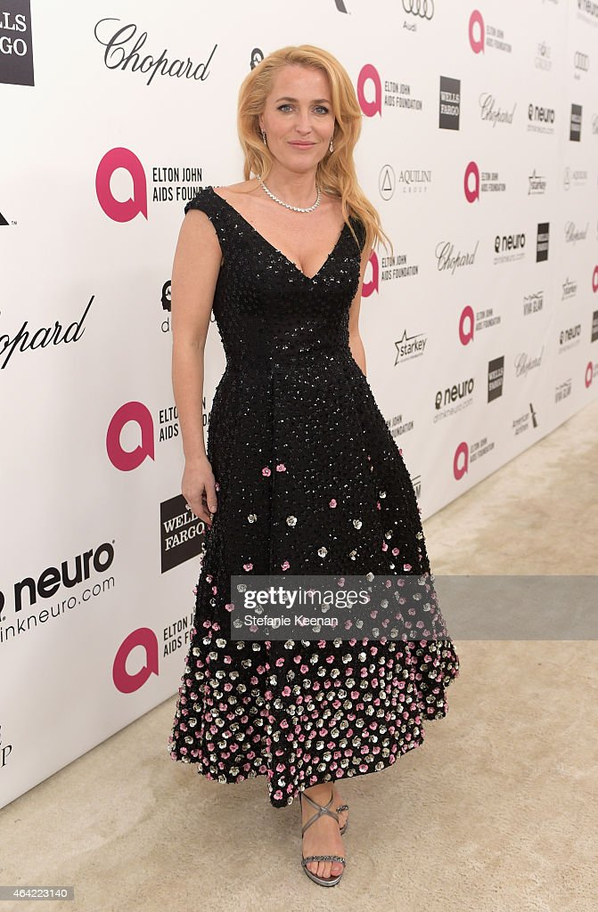 Actress <a gi-track='captionPersonalityLinkClicked' href=/galleries/search?phrase=Gillian+Anderson&family=editorial&specificpeople=202894 ng-click='$event.stopPropagation()'>Gillian Anderson</a> attends the 23rd Annual Elton John AIDS Foundation Academy Awards viewing party with Chopard on February 22, 2015 in Los Angeles, California.
