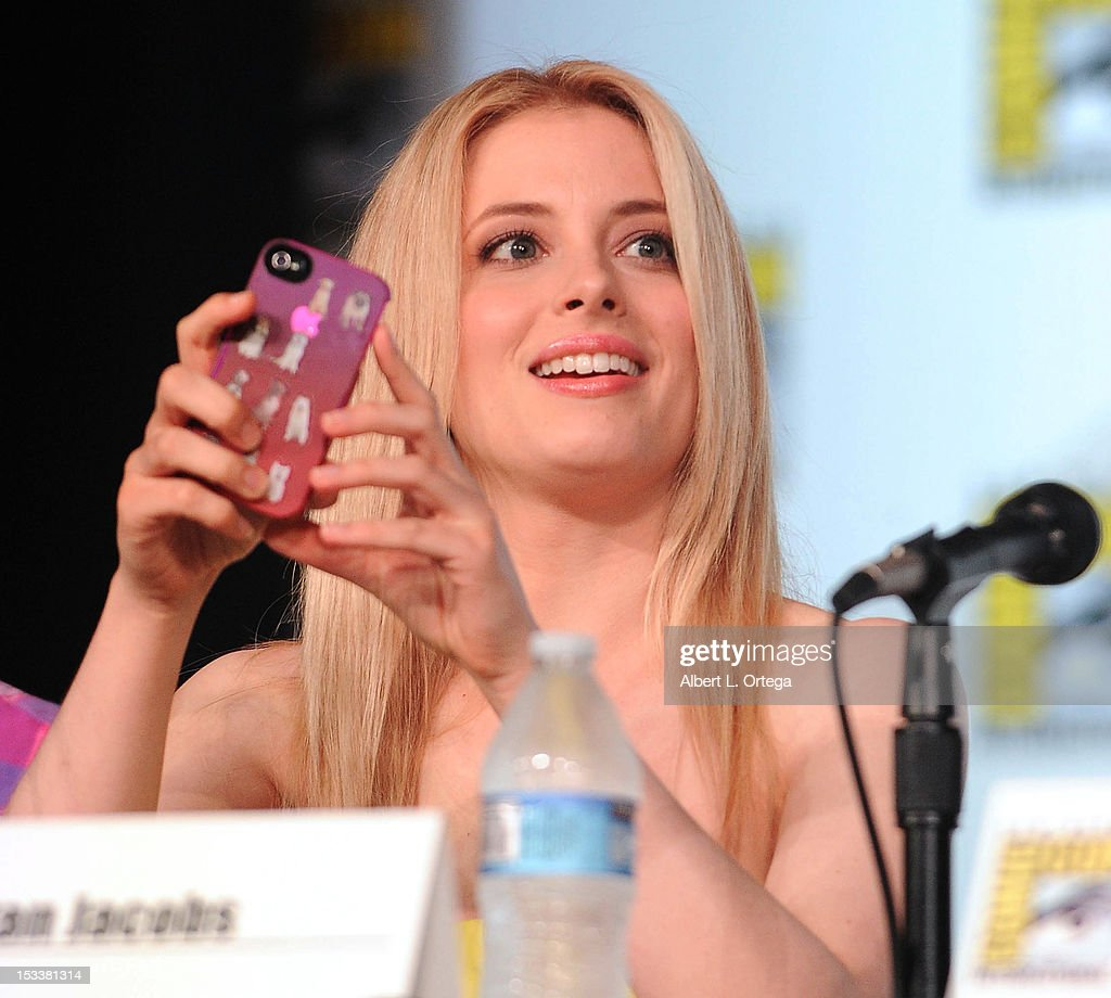 Actress <a gi-track='captionPersonalityLinkClicked' href=/galleries/search?phrase=Gillian+Jacobs&family=editorial&specificpeople=4836757 ng-click='$event.stopPropagation()'>Gillian Jacobs</a> participates in 'Community' - School is Back In Session Panel - Comic-Con International 2012 held at San Diego Convention Center on July 12, 2012 in San Diego, California.