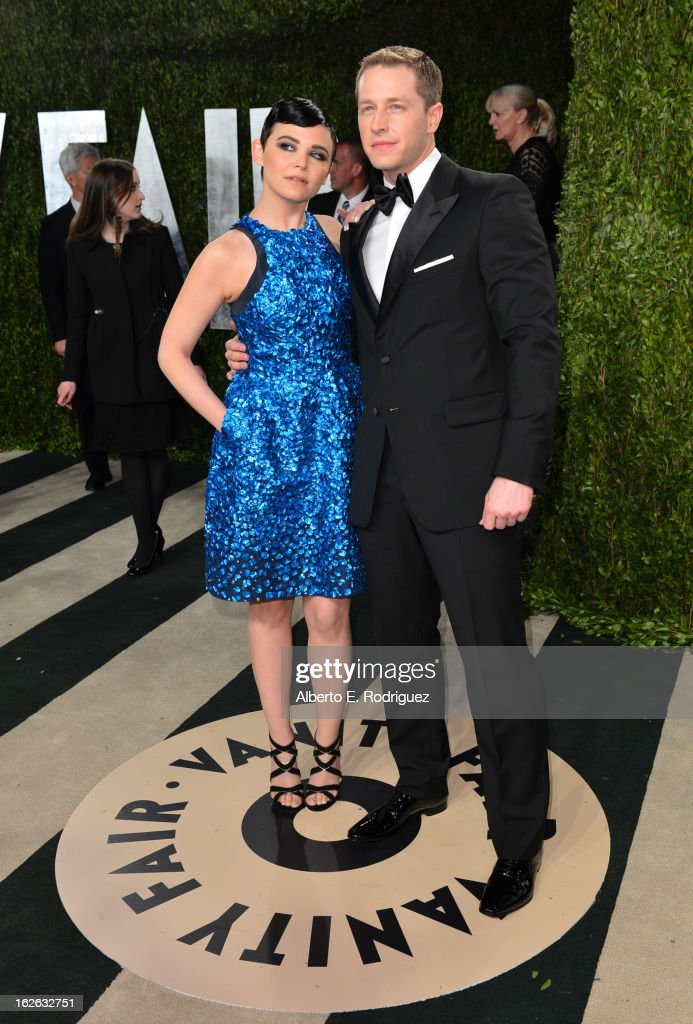 Actress <a gi-track='captionPersonalityLinkClicked' href=/galleries/search?phrase=Ginnifer+Goodwin&family=editorial&specificpeople=215039 ng-click='$event.stopPropagation()'>Ginnifer Goodwin</a> and actor Josh Dallas arrive at the 2013 Vanity Fair Oscar Party hosted by Graydon Carter at Sunset Tower on February 24, 2013 in West Hollywood, California.