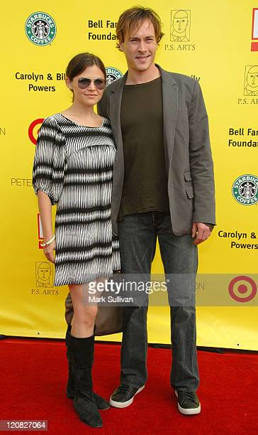 Actress Ginnifer Goodwin and Chris Klein arrive at the PS ARTS Annual 'Express Yourself' charity benefit held on November 4 2007 in Santa Monica...