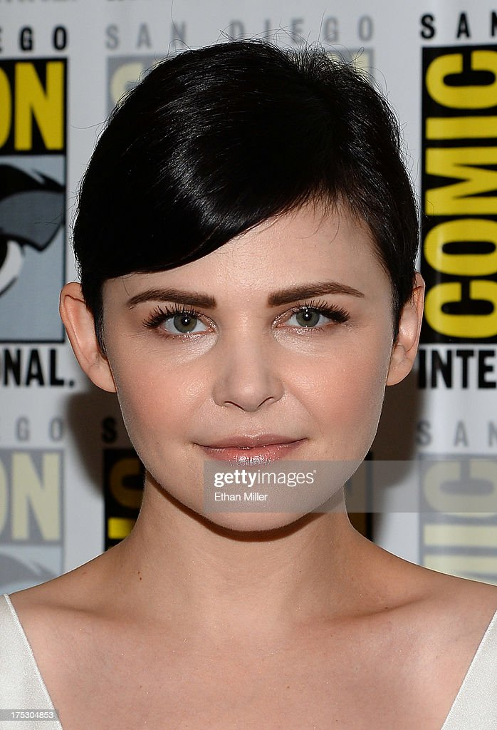 Actress <a gi-track='captionPersonalityLinkClicked' href=/galleries/search?phrase=Ginnifer+Goodwin&family=editorial&specificpeople=215039 ng-click='$event.stopPropagation()'>Ginnifer Goodwin</a> attends the 'Once Upon a Time' press line during Comic-Con International 2013 at the Hilton San Diego Bayfront Hotel on July 20, 2013 in San Diego, California.
