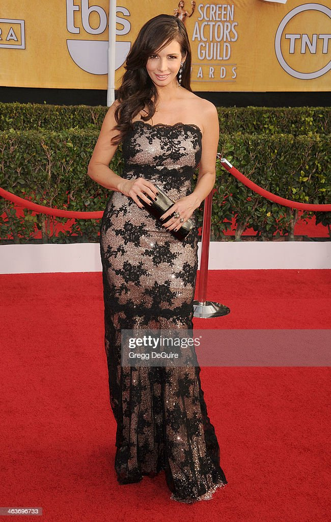 Actress Giselle Blondet arrives at the 20th Annual Screen Actors Guild Awards at The Shrine Auditorium on January 18, 2014 in Los Angeles, California.