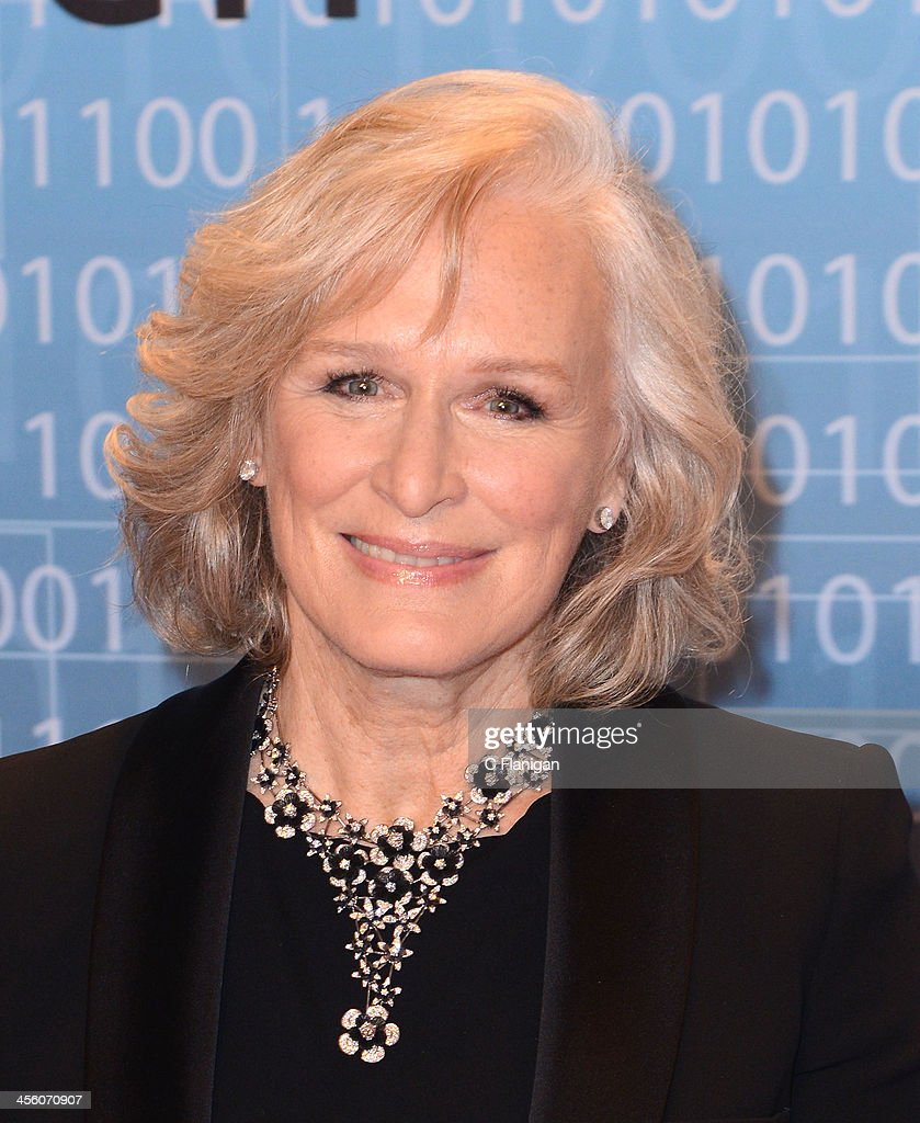 Actress <a gi-track='captionPersonalityLinkClicked' href=/galleries/search?phrase=Glenn+Close&family=editorial&specificpeople=201870 ng-click='$event.stopPropagation()'>Glenn Close</a> arrives at the Breakthrough Prize Inaugural Ceremony at NASA Ames Research Center on December 12, 2013 in Mountain View, California.