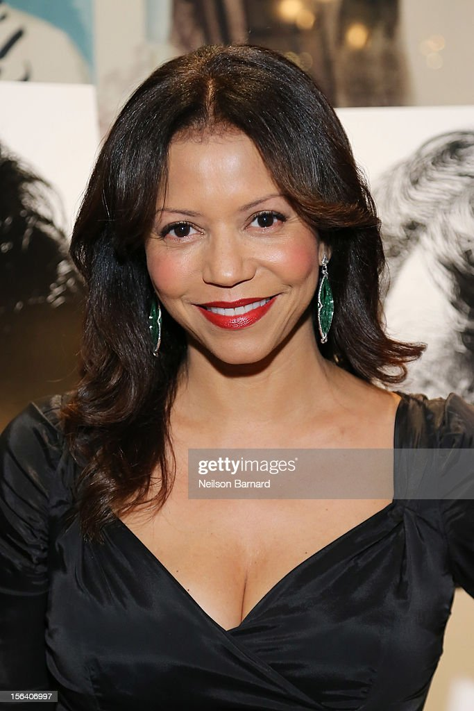 Actress Gloria Reuben attends the special screening of Steven Spielberg's Lincoln at the Ziegfeld Theatre on November 14, 2012 in New York City.