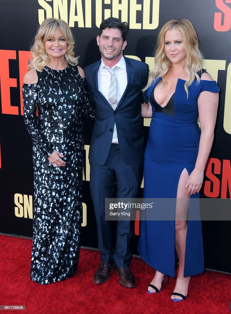 Actress Goldie Hawn, director Jonathan Levine and actress/comedian Amy Schumer attend premiere of 20th Century Fox's' 'Snatched' at Regency Village Theatre on May 10, 2017 in Westwood, California.