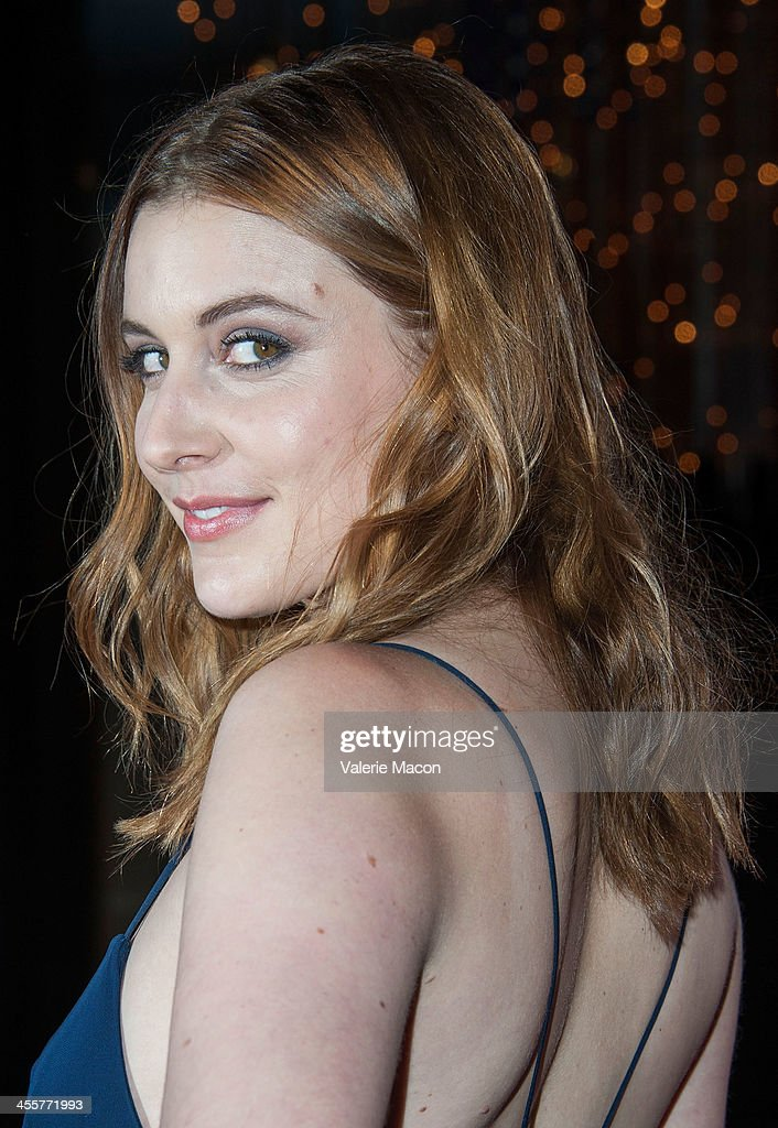 Actress <a gi-track='captionPersonalityLinkClicked' href=/galleries/search?phrase=Greta+Gerwig&family=editorial&specificpeople=4249808 ng-click='$event.stopPropagation()'>Greta Gerwig</a> attends the premiere of Warner Bros. Pictures' 'Her.' at DGA Theater on December 12, 2013 in Los Angeles, California.