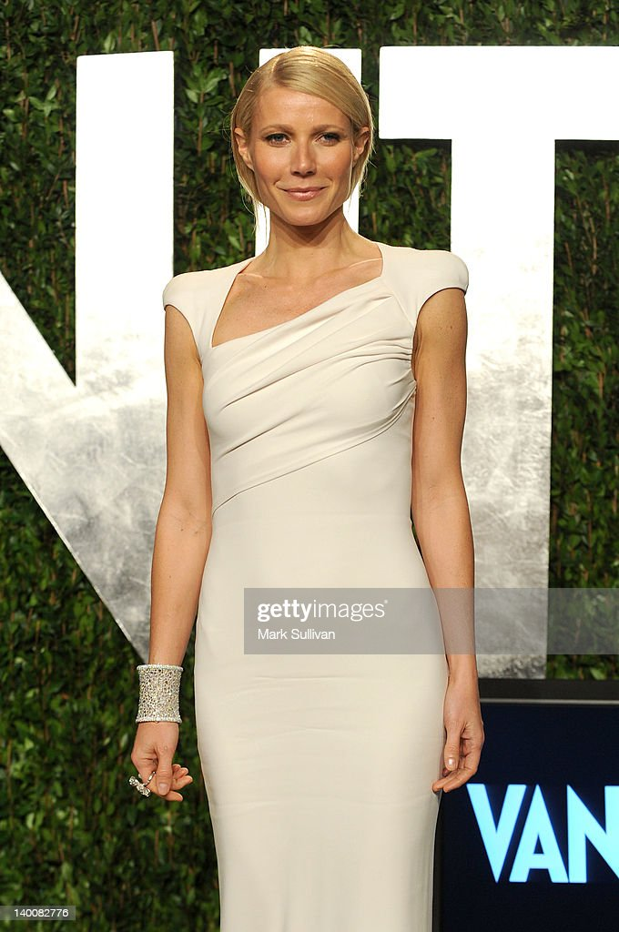 Actress <a gi-track='captionPersonalityLinkClicked' href=/galleries/search?phrase=Gwyneth+Paltrow&family=editorial&specificpeople=171431 ng-click='$event.stopPropagation()'>Gwyneth Paltrow</a> arrives at the 2012 Vanity Fair Oscar Party hosted by Graydon Carter at Sunset Tower on February 26, 2012 in West Hollywood, California.