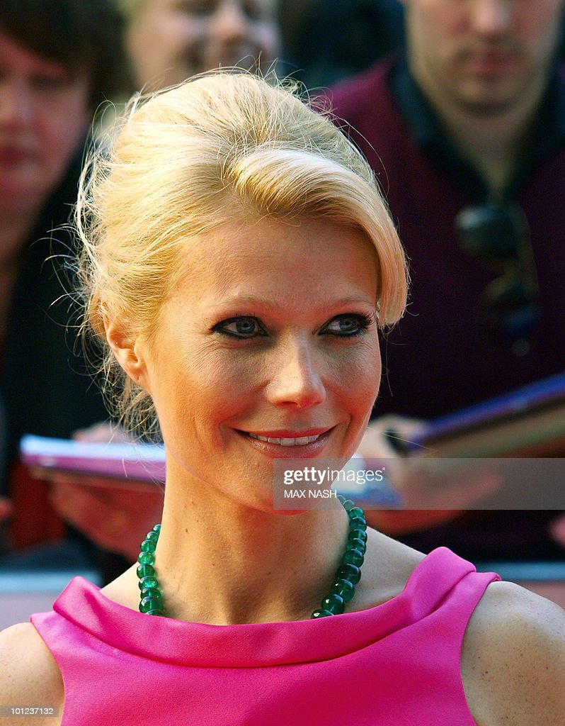 US actress Gwyneth Paltrow arrives at the National Movie Awards in London's Royal Festival Hall on May 26, 2010.AFP Photo/MAX