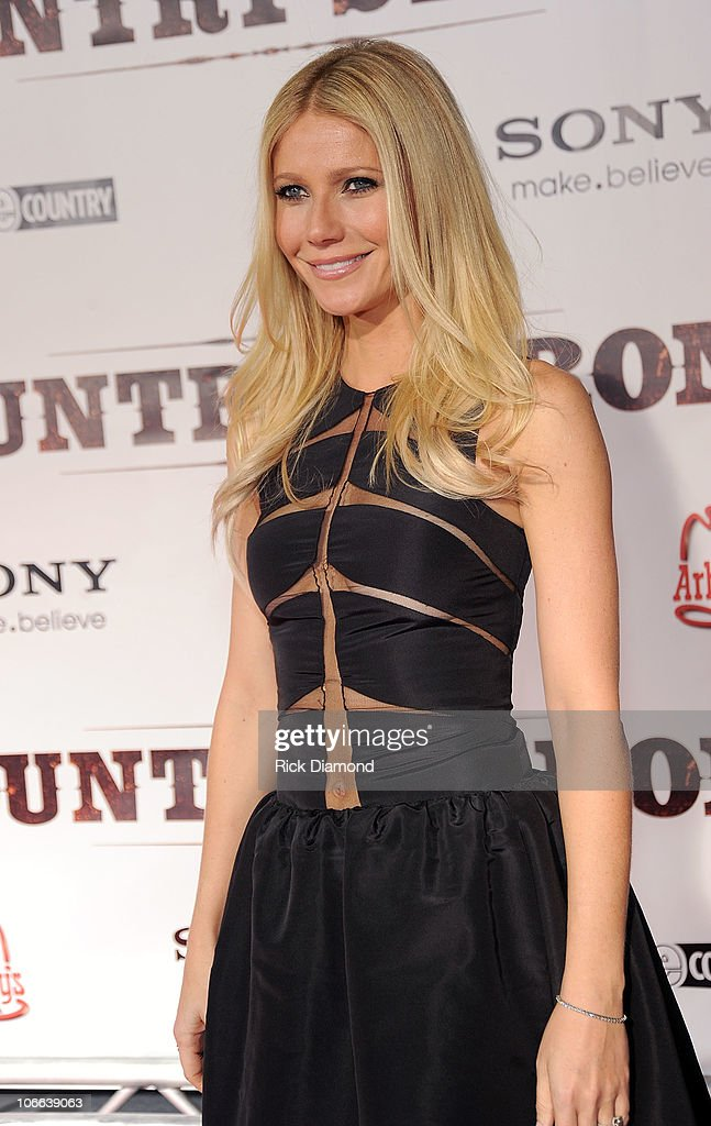 Actress Gwyneth Paltrow attends the 'Country Strong' Premiere at Regal Green Hills on November 8, 2010 in Nashville, Tennessee.