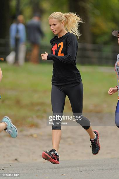 Actress Gwyneth Paltrow films a scene at the 'Thanks For Sharing' movie set in Central Park on October 11 2011 in New York City