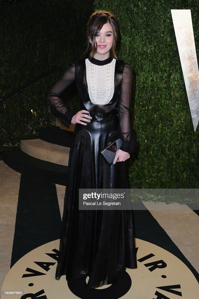 Actress Hailee Steinfeld arrives at the 2013 Vanity Fair Oscar Party hosted by Graydon Carter at Sunset Tower on February 24, 2013 in West Hollywood, California.