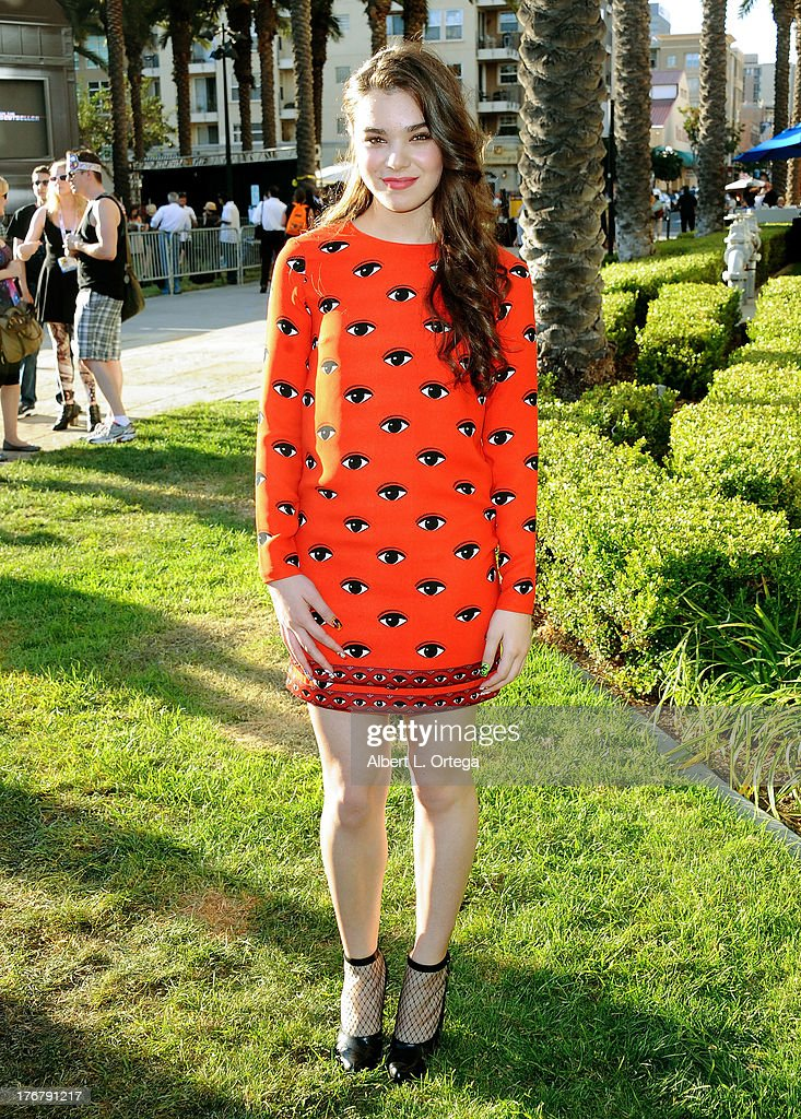 Actress Hailee Steinfeld attend the 'Ender's Game' Experience Press Preview Night held at Martin Luther King Jr. Park on Wenesday July 17, 2012 in San Diego, California.